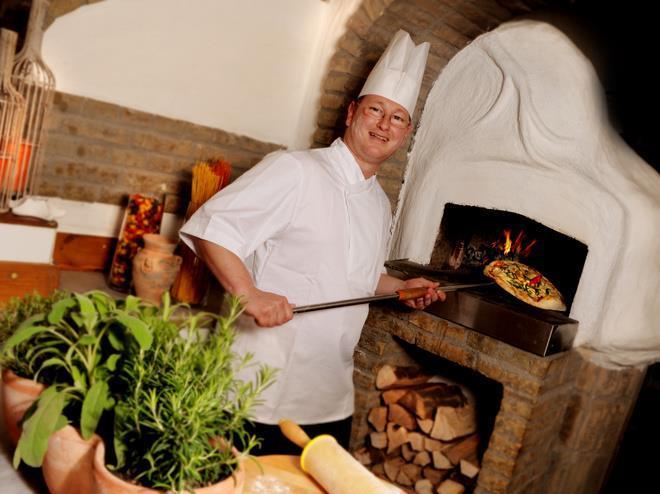 Bernd Strobl Pizza